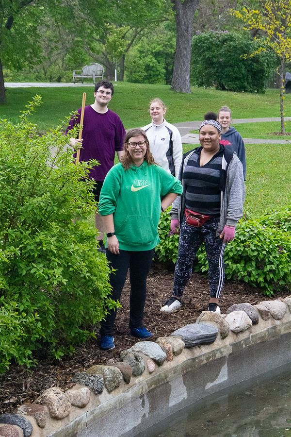 Farm and Community Service Day Students picking up Spooner Park in Little Canada